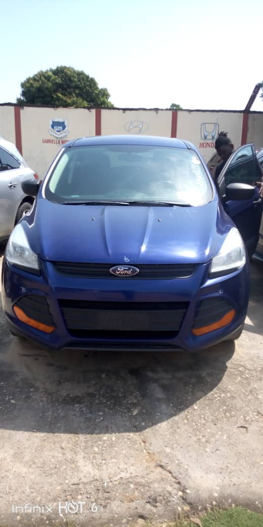 Ford escape 2014 sous douane