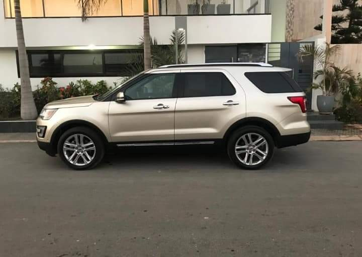 A vendre Ford Explorer Limited 2017 Essence Automatique